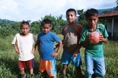 jocs-de-pilota-amb-nens-de-s-juan-chactela_28780657087_o